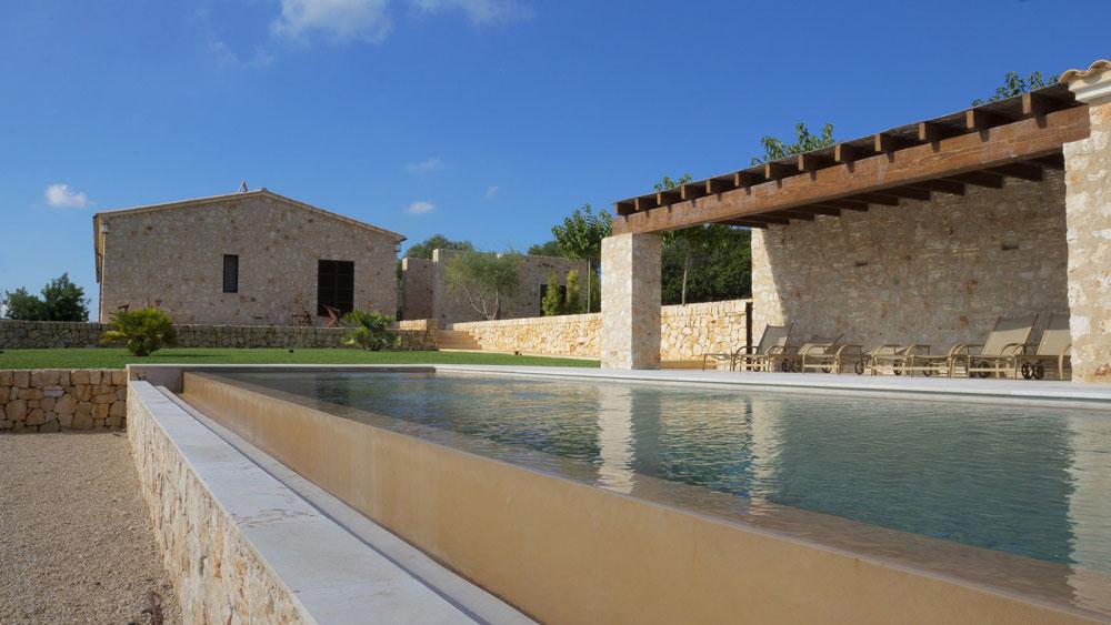 Beal presentar sus novedades en piscina wellness for Espejo hostelero